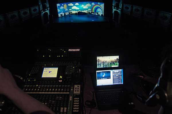 video-mapping-Creando-Sonrisas-Burgos-9