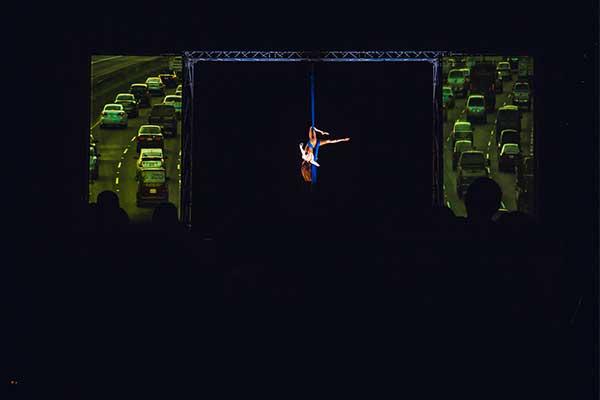 video-mapping-Danza-vertical-Noche-Blanca-Villarcayo-2