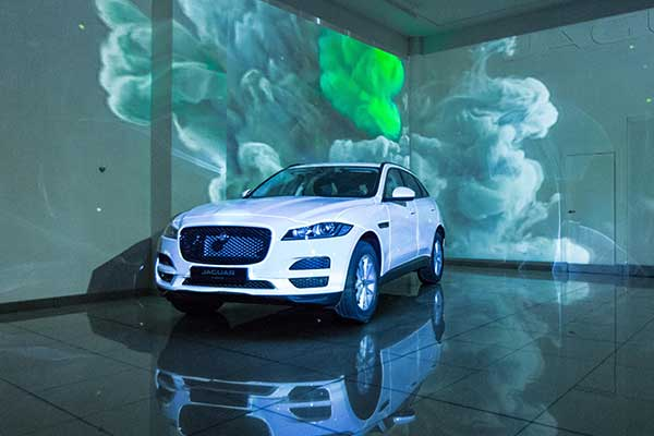 video-mapping-Jaguar-F-PACE-4